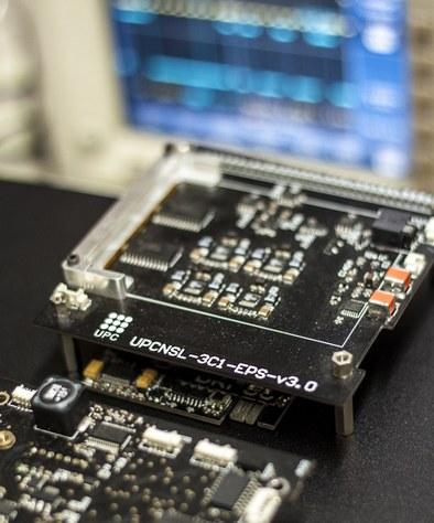 Recharging the batteries of the ³Cat-1