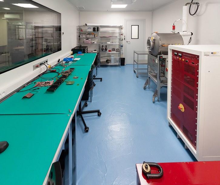 NanoSat Lab's ISO 7 Cleanroom facilities
