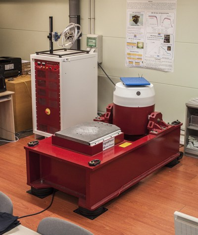 NanoSat Lab's vibration table